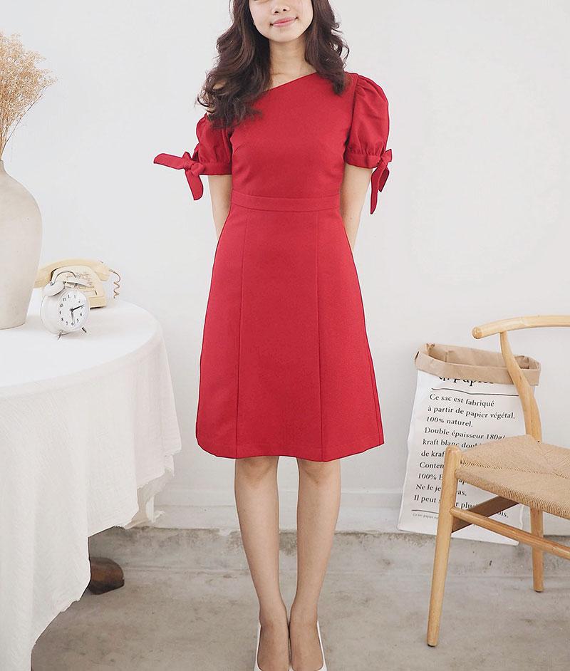 Đầm lệch vai màu đỏ thiết kế cho nữ