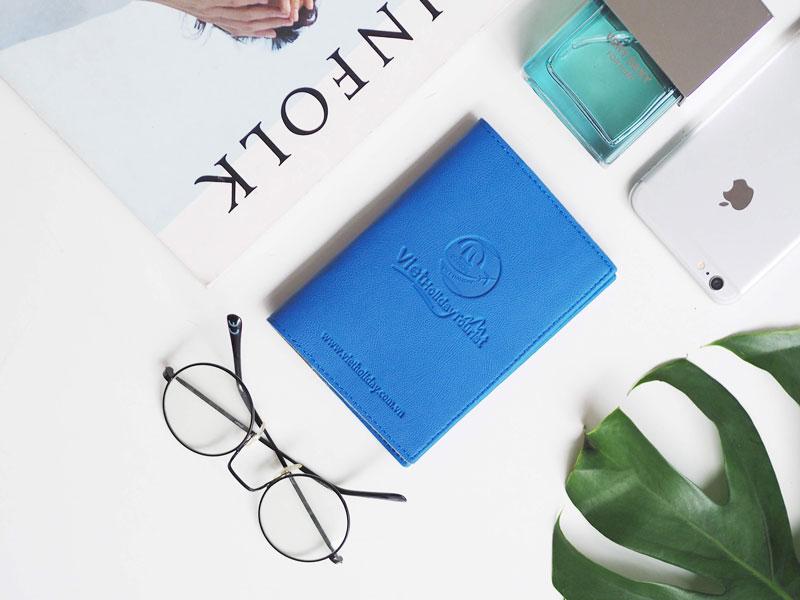 Vỏ hộ chiếu in logo công ty quà tặng thương hiệu