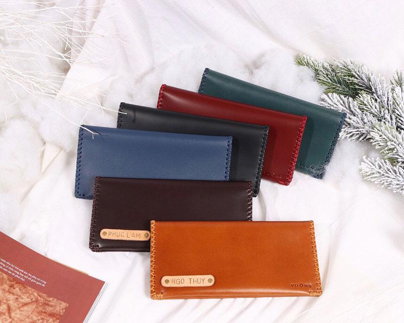 Chiếc ví handemade da bò nhiều màu
