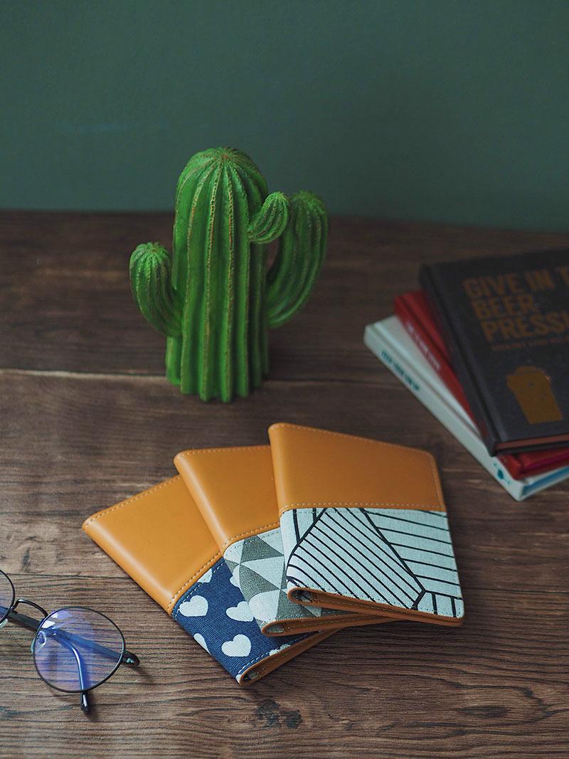 Vỏ bọc hộ chiếu linen design by Vuông shop